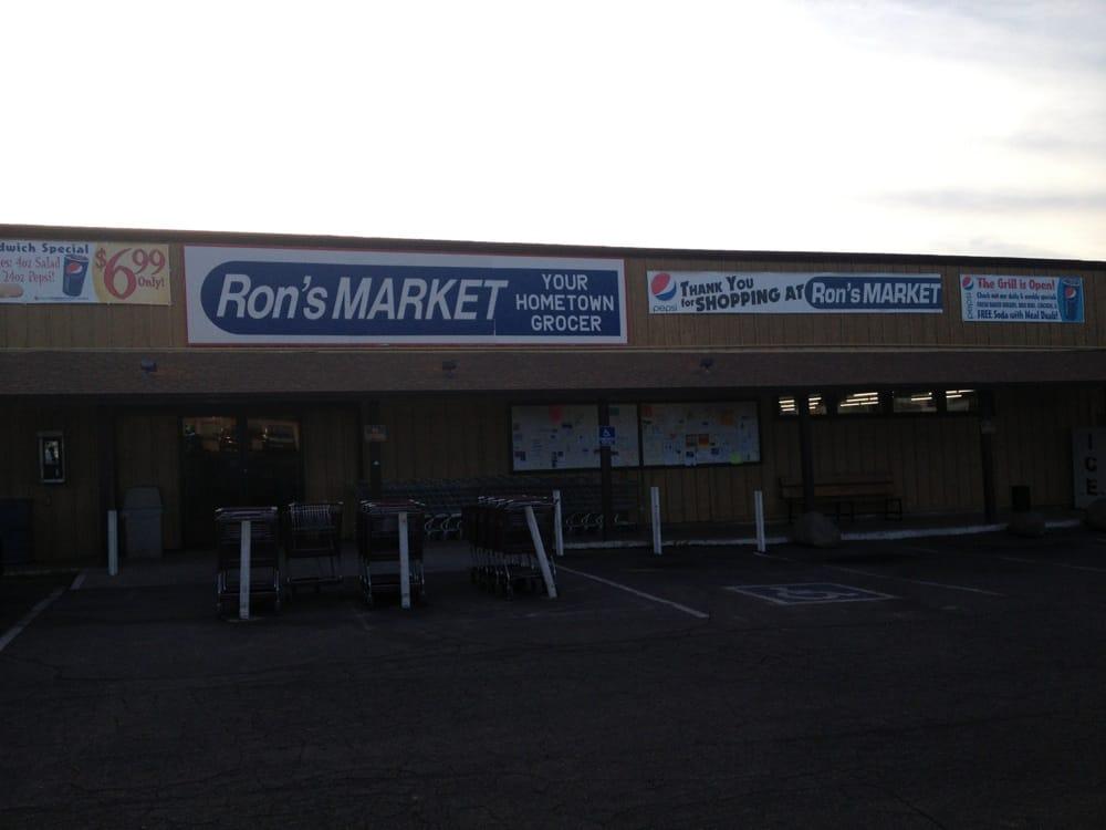 Ron's Market: 34360 S Old Black Canyon Hwy, Black Canyon City, AZ