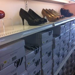 Shoe Stores At Gilroy Outlets