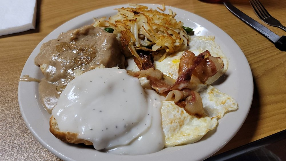 Southern Gals Country Cooking: 400 Rodney Orr Bypass, Robbinsville, NC