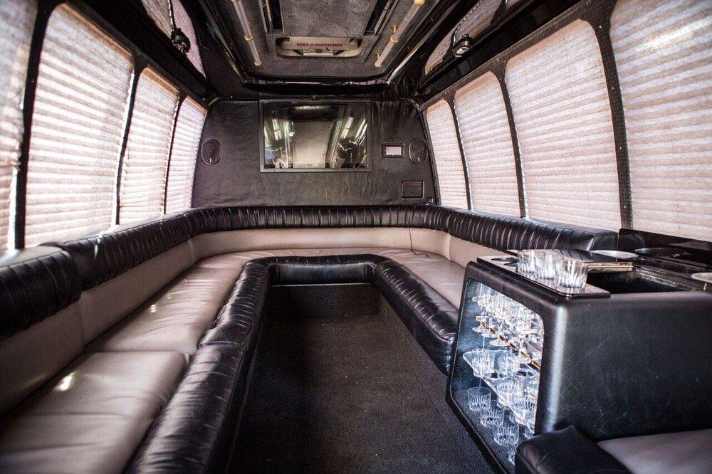 1st Class Transportation: 5115 Excelsior Blvd, St. Louis Park, MN