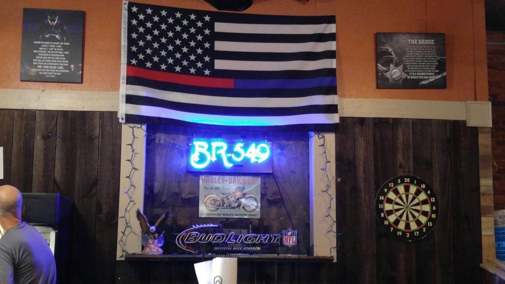 The Frisk Pub: 117 North Jefferson Ave, Eatonton, GA