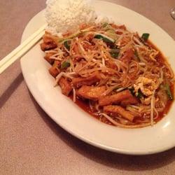 pad thai with tofu de Bryan M.