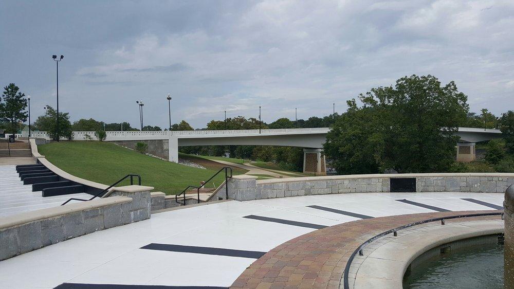 Ray Charles Plaza: 100-198 S Front St, Albany, GA