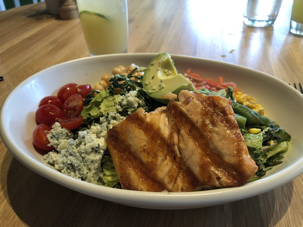 Healthy Food In Naples Fl Good Earth Kale Cobb Salad With Salmon