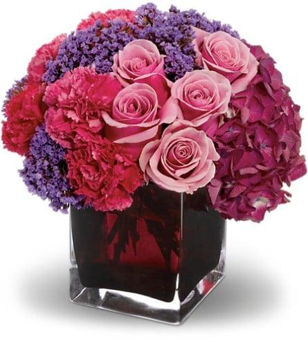Nichols Floral: 1601 N Broadway, Ada, OK