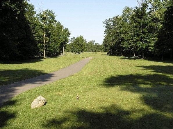 Ledge Meadows Golf Course: 1801 E Grand Ledge Hwy, Grand Ledge, MI