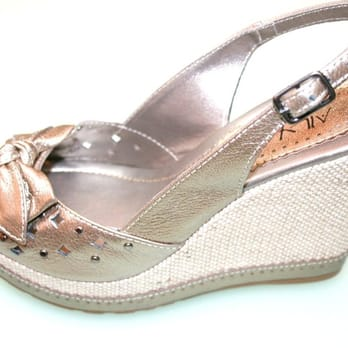 af9274304d5e Shoes To You - 10 Photos   18 Reviews - Shoe Stores - 4776 SW 72nd ...