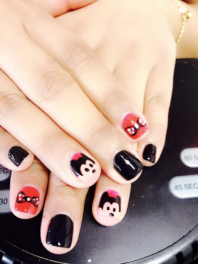 Bath Nail Salon: 102 W Main St, Bath, PA