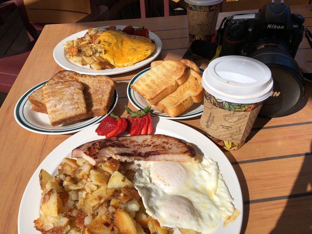 Cardinal Café: 321 Cardinal Rd, Bishop, CA