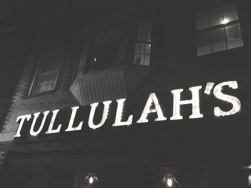 Tullulah's: 12 4th Ave, Bay Shore, NY