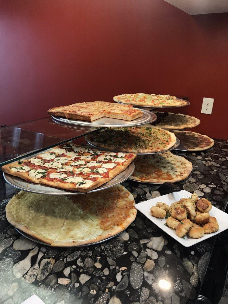 Davila's Pizza and Restaurant: 190 Main St, Hackettstown, NJ