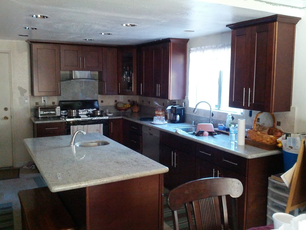 Clean looking espresso shaker kitchen cabinets with for Choice kitchen cabinets