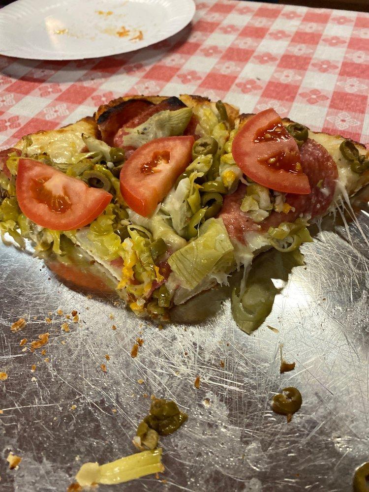 Vicki Rae's Pizza: 45 Main St, Priest River, ID