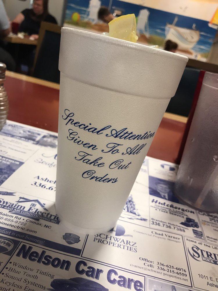 Mayflower Seafood Restaurant: 2200 N Fayetteville St, Asheboro, NC