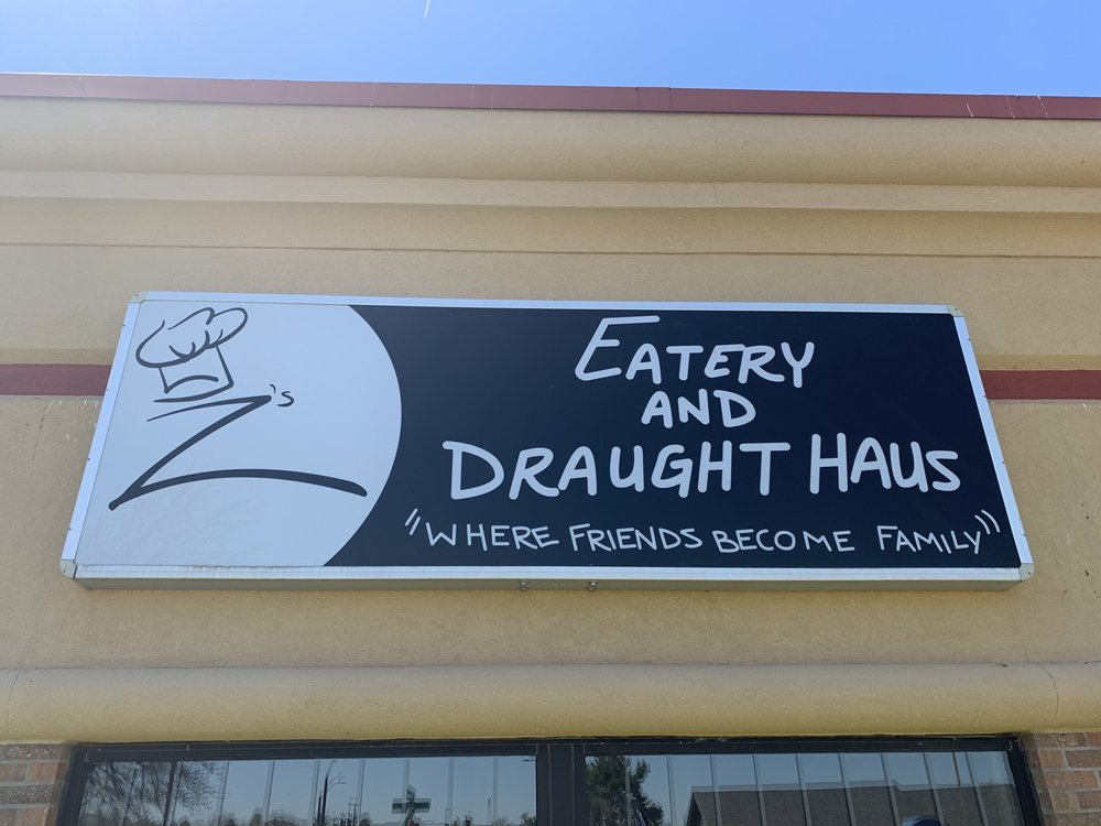 Z's Eatery And Draught Haus: 1501 N 1st St, Indianola, IA