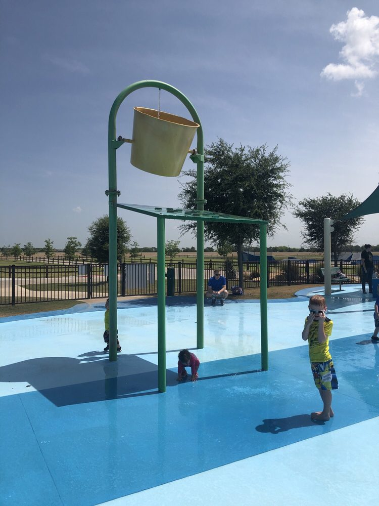 Slayter Creek Park: 425 W Rosamond Pkwy, Anna, TX