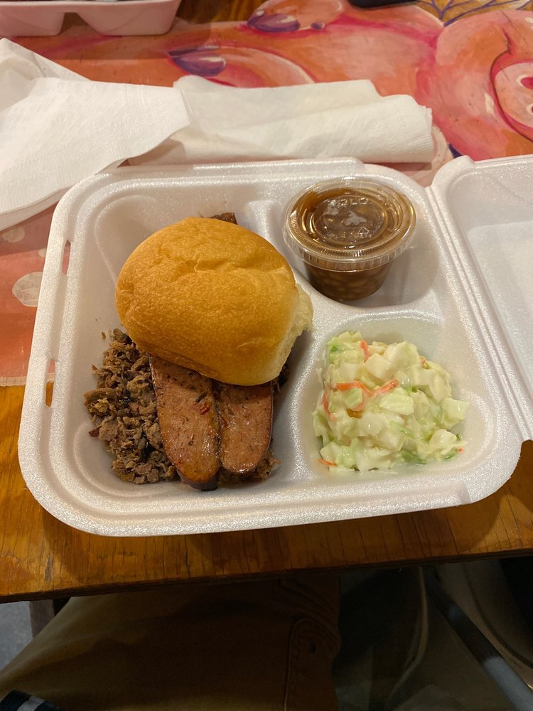 The Wood Shed Bbq & Catering: 9621 Hwy 270, White Hall, AR