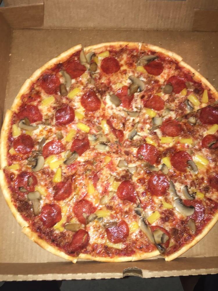 Pizza Barn: 515 W Walnut St, Paris, AR