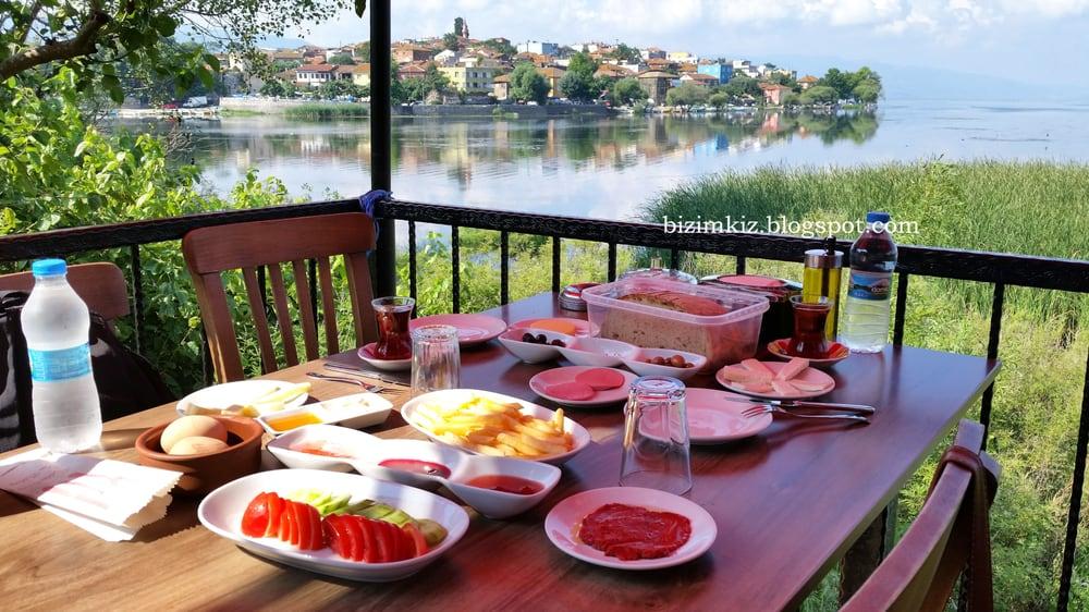 Apolyont Et-Balık-Kahvaltı