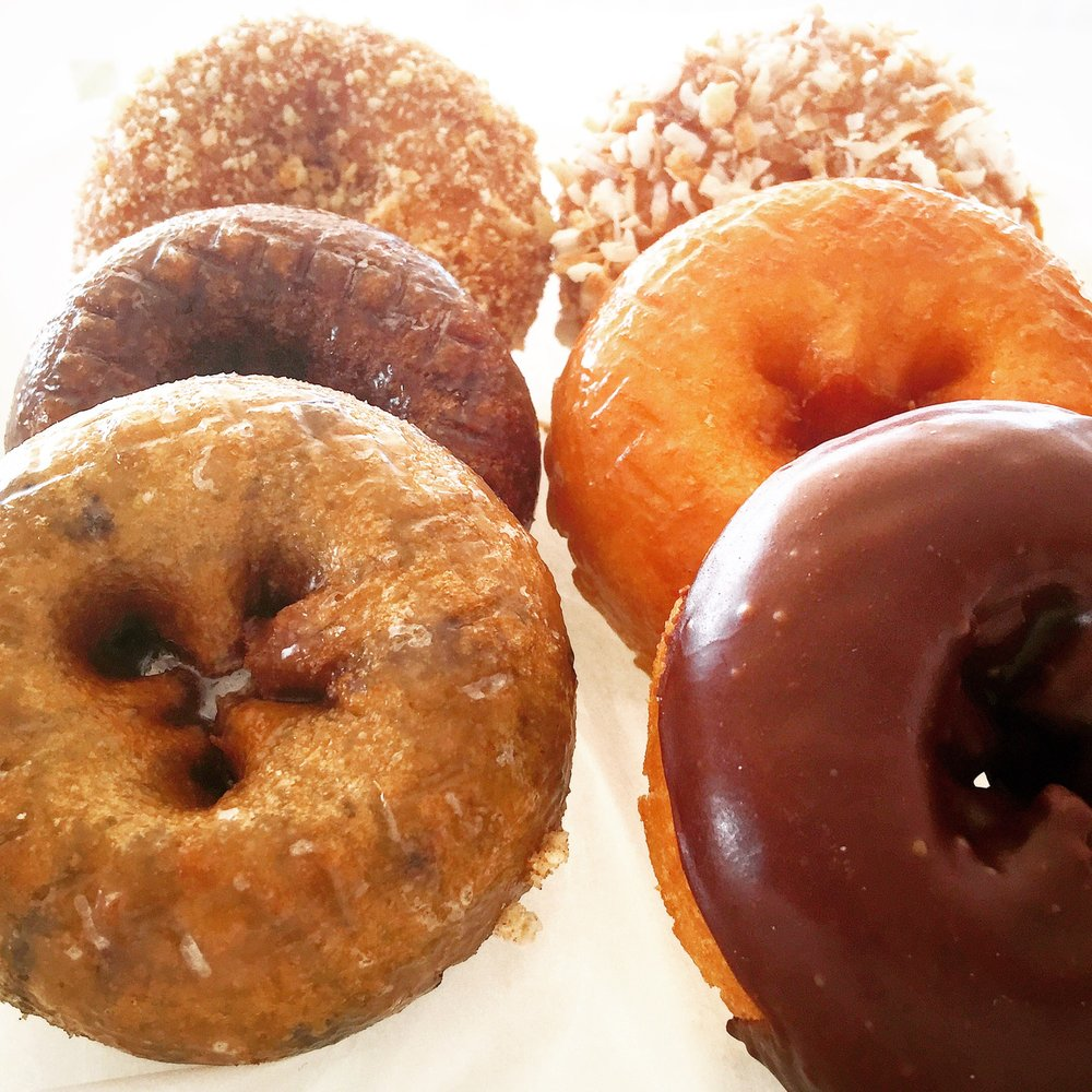Smith Donuts Coffee & Smoothies: 7613 Rogers Ave, Fort Smith, AR