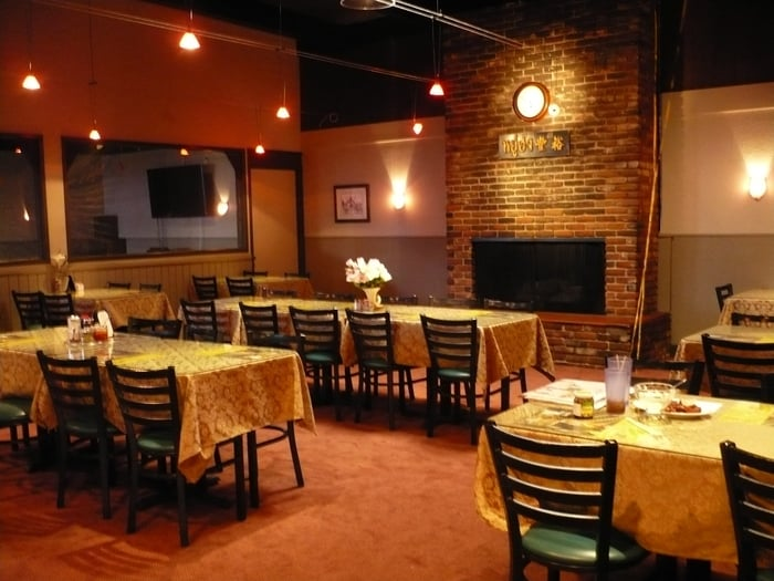 The Original Khun Dang Thai Restaurant   8210 Sepulveda Blvd, Van Nuys, CA, 91402   +1 (818) 442-9936