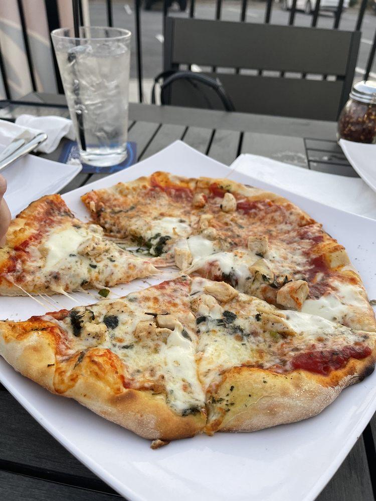 Joey's Fine Food & Pizza