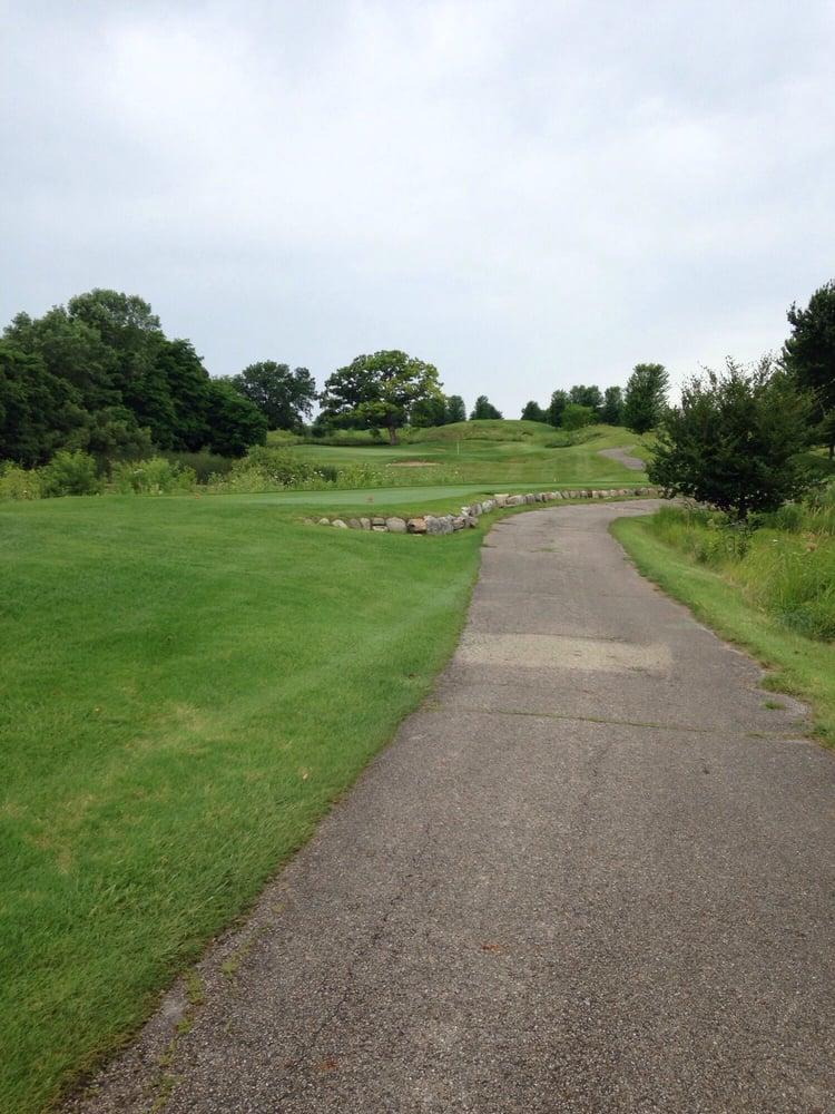 Bull Valley Golf Club: 1311 Club Rd, Woodstock, IL