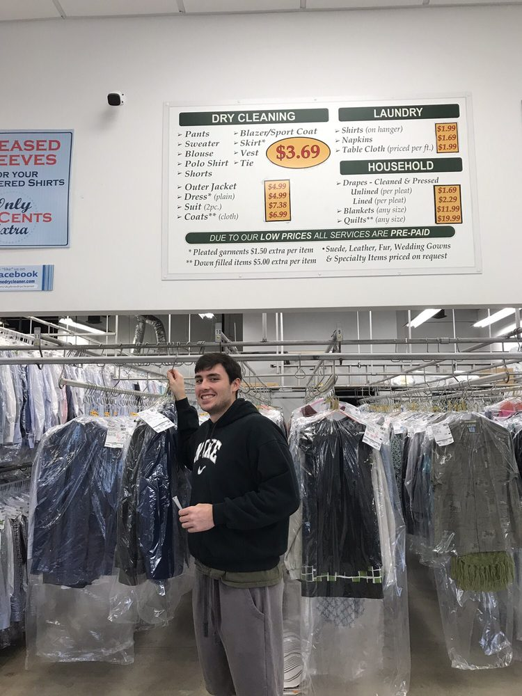 Skyline Dry Cleaner: 1752 N Milwaukee Ave, Libertyville, IL