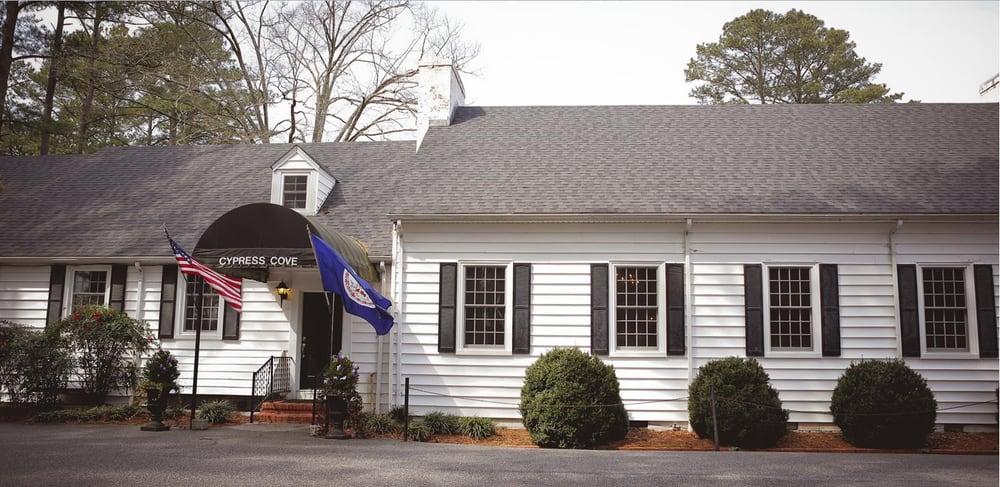 The Cove Restaurant: 30333 Country Club Rd, Franklin, VA