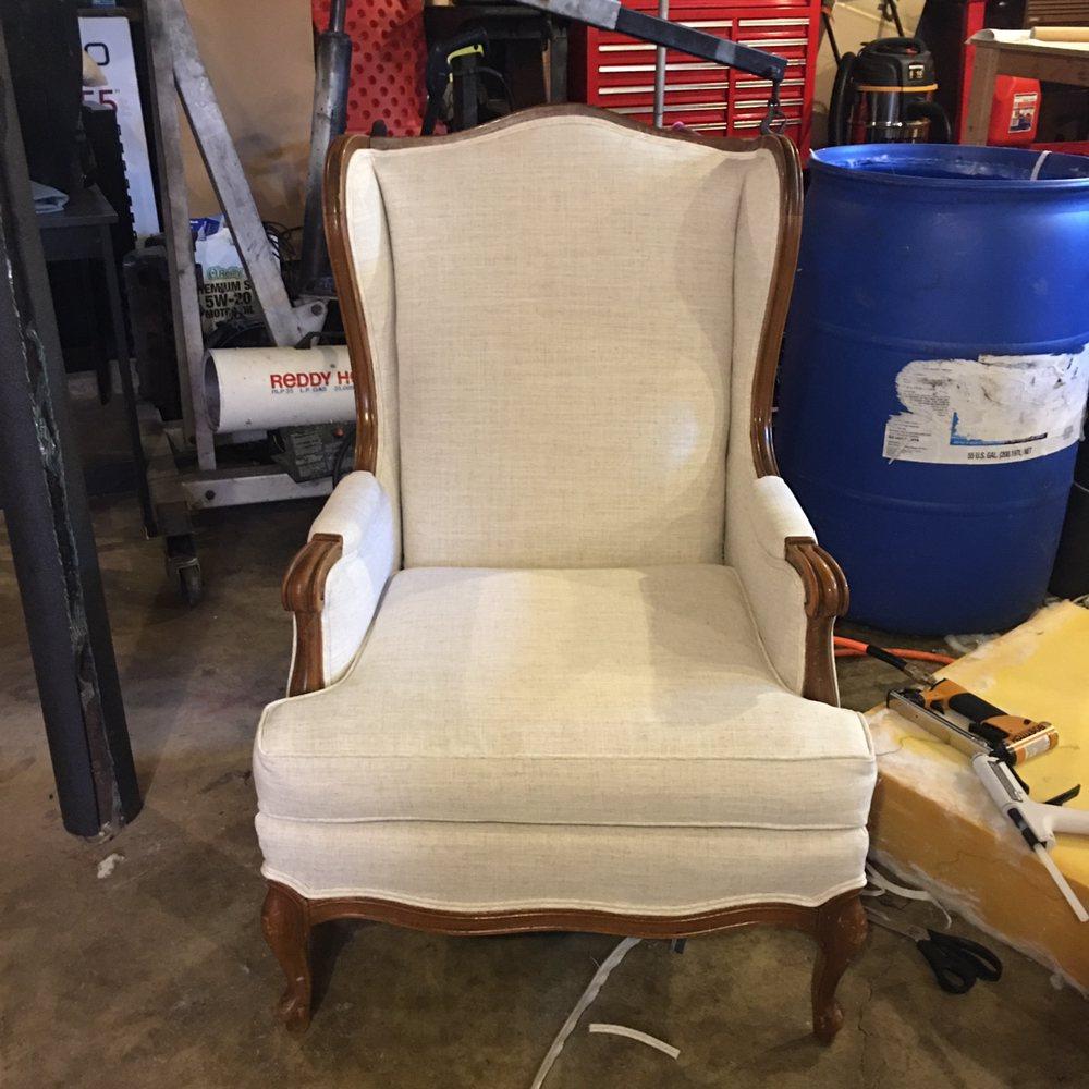 K & R Upholstery: 814 Crittenden Cir, Russellville, KY
