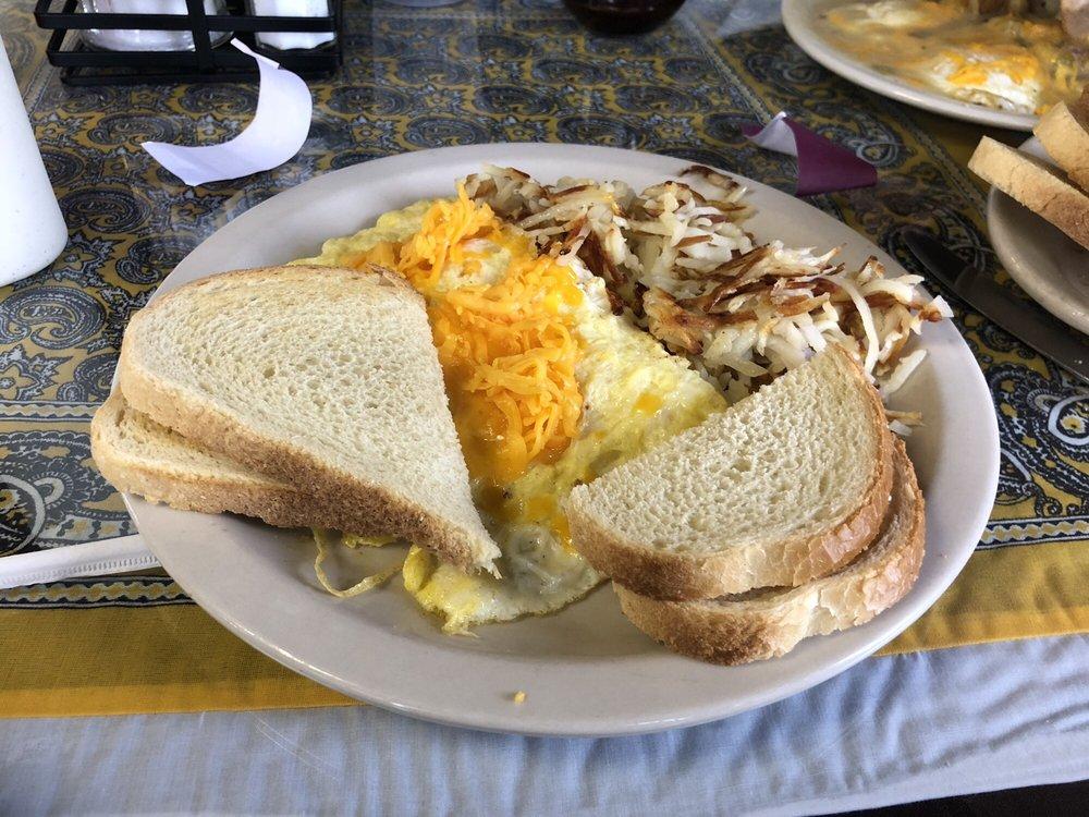 Sierra Grande Resturant: 6 Sierra Grande Rd, Des Moines, NM