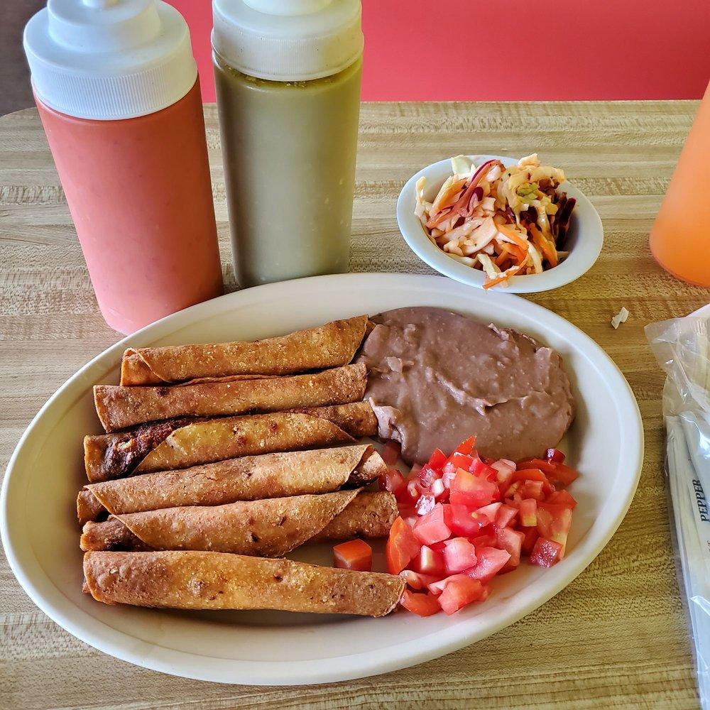 Rincon Latino Restaurant: 3003 Gillsville Hwy, Gainesville, GA