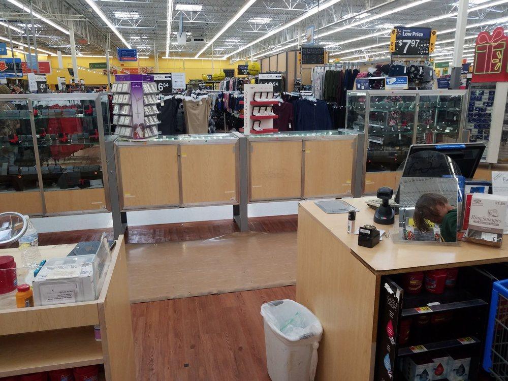 Walmart Supercenter: 1907 SE Washington St, Idabel, OK