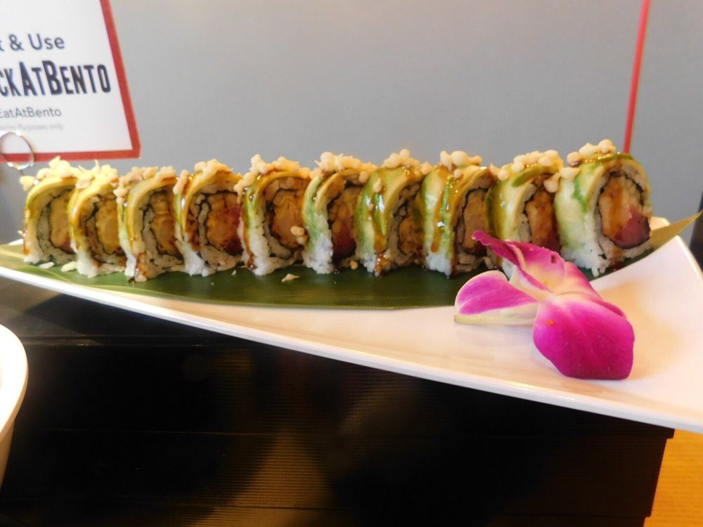 Bento Asian Kitchen + Sushi: 3254 Margaritaville Blvd, Kissimmee, FL