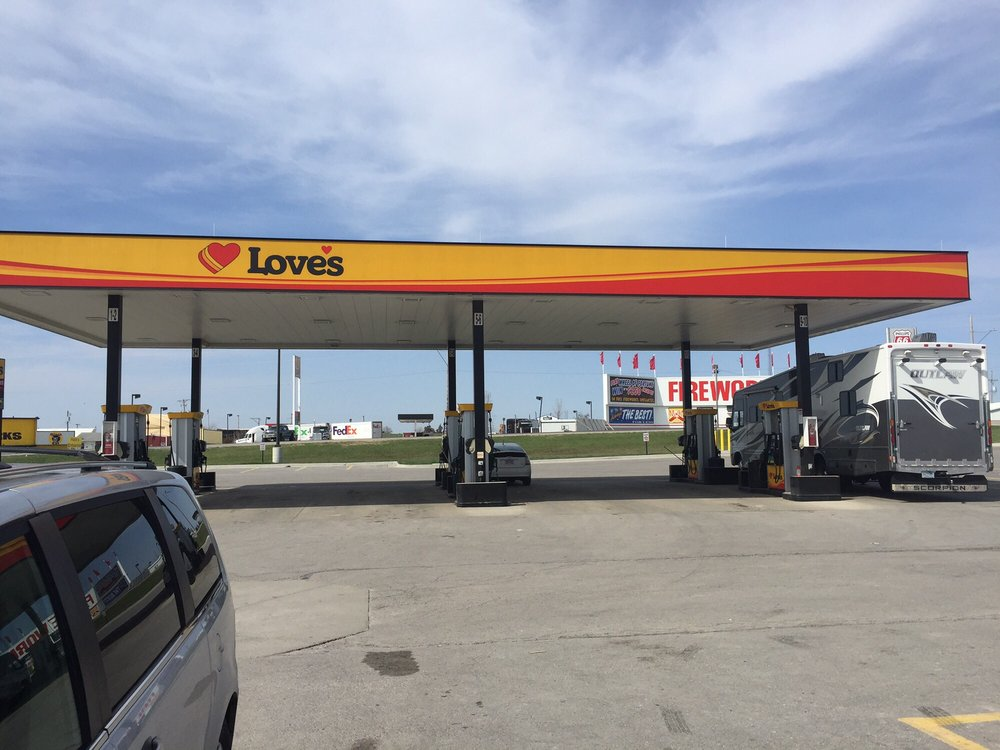 Love's Travel Stop: 21022 State Hwy N I-35 Exit 106, Eagleville, MO