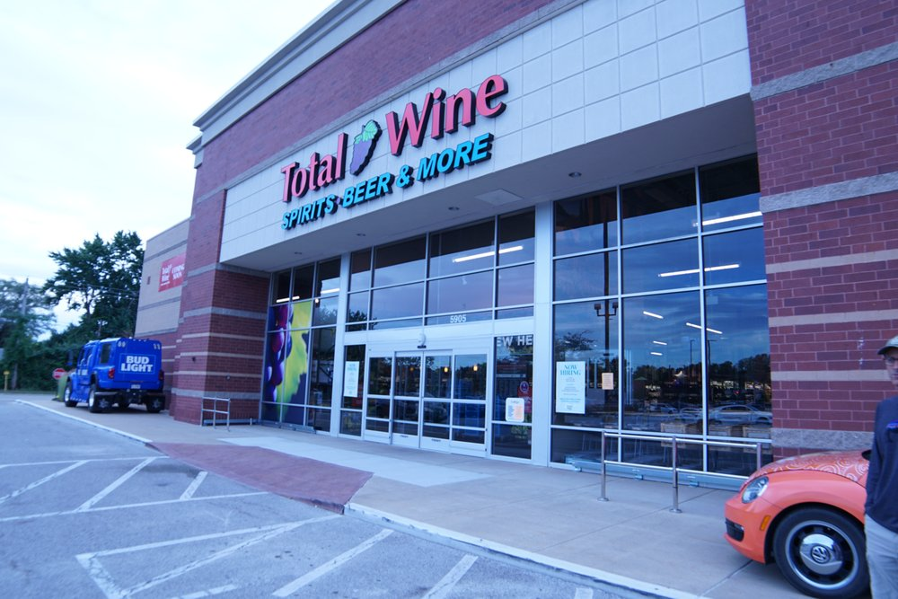 Total Wine & More: 5905 N Illinois St, Fairview Heights, IL