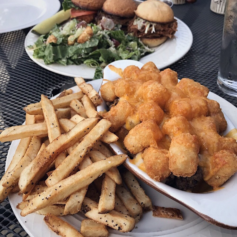 Red Paddle Bistro: 143 S Gunflint Lake, Grand Marais, MN