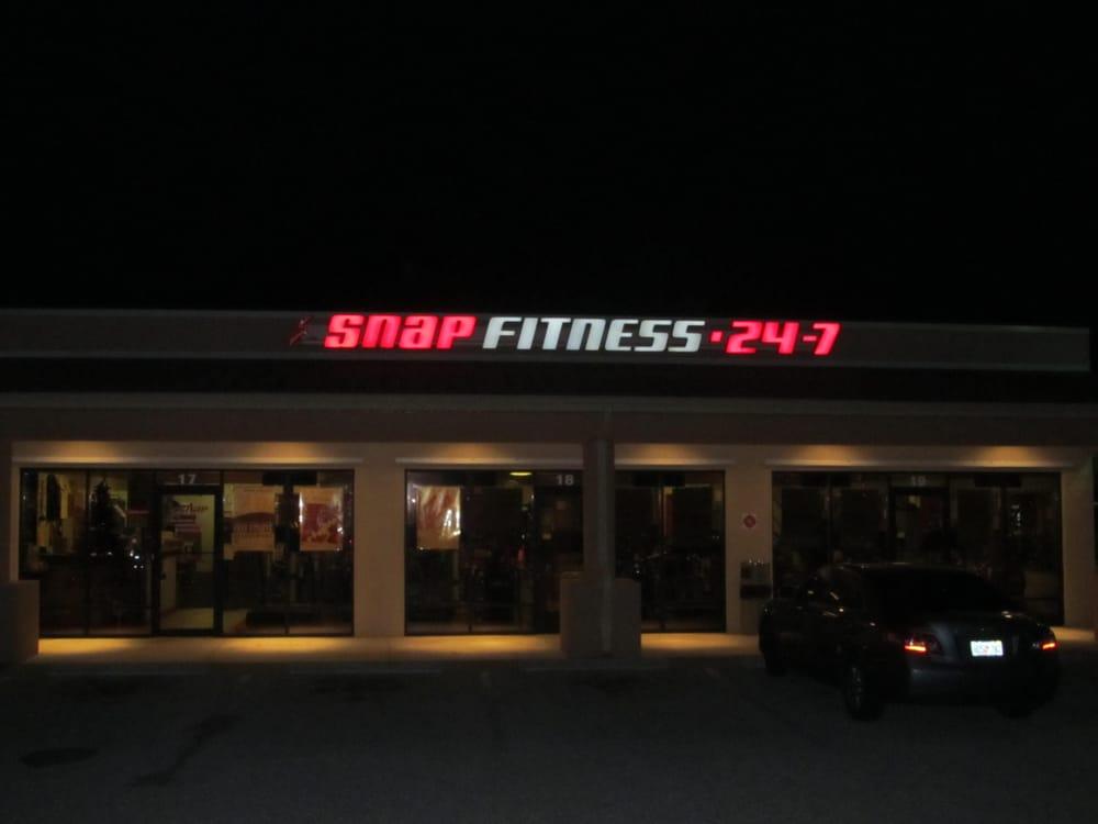 Snap Fitness 24 7 Kuntokeskukset 701 J C Center Ct