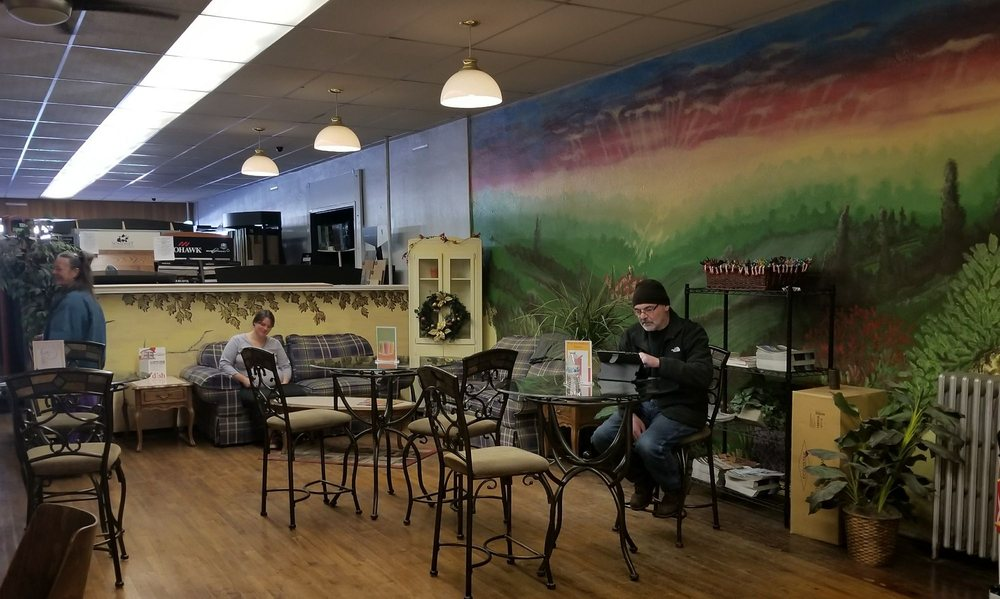 Sweet Tooth Candy Shoppe and Espresso: 208 E 1st St, Cle Elum, WA