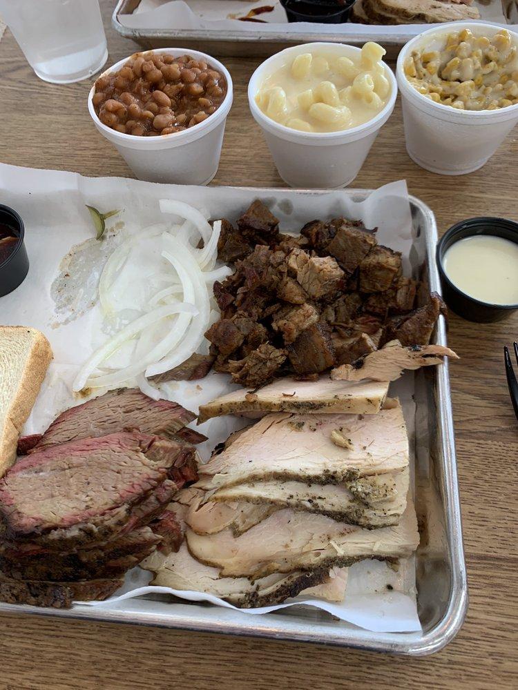 Pitt's BBQ: 316 N Massey Blvd, Nixa, MO