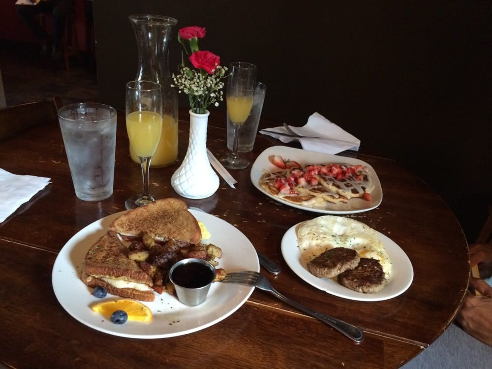 Some Serious Goodness Everyone Needs In Their Lives French Toast Sandwich And The Strawberry