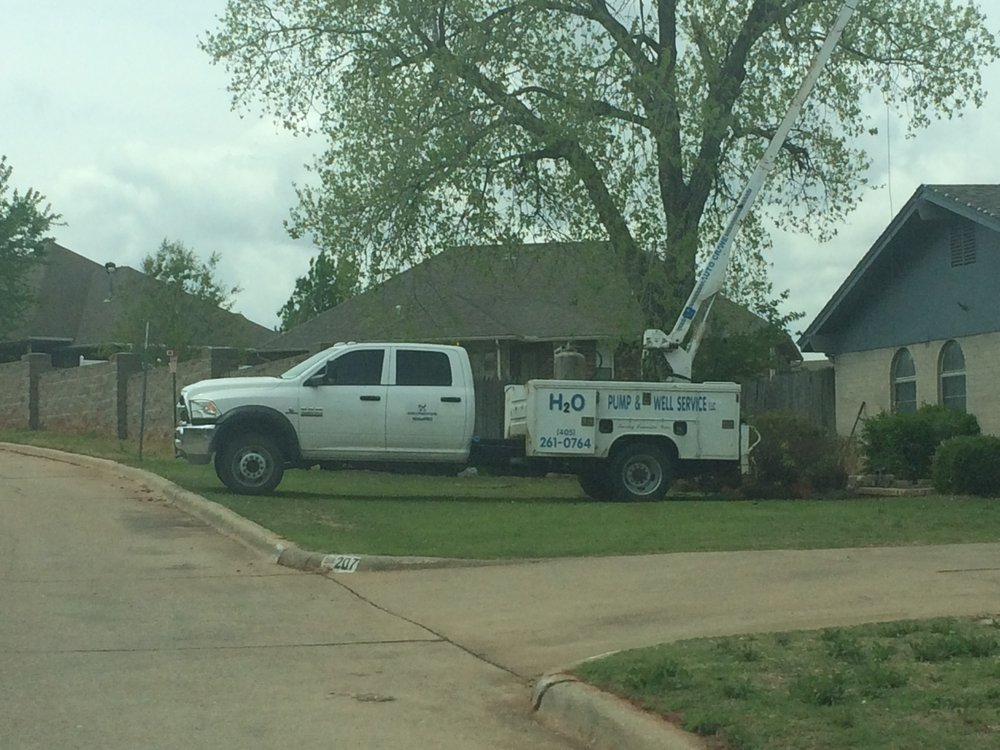 H2O Pump & Well Service: 207 N Canadian Ter, Mustang, OK