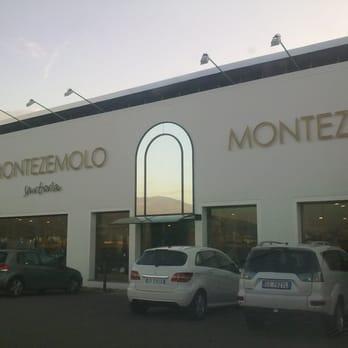 scarpe sportive 056f5 4a149 Montezemolo - Abbigliamento maschile - Via Fratelli Cervi 65 ...