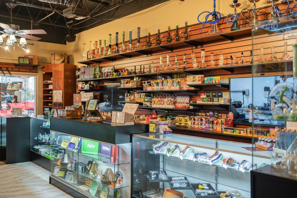 Smoker's Safari: 124 Lake Ave, Maitland, FL
