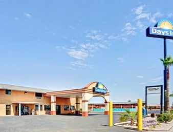 Days Inn by Wyndham Eloy: 5300 South Sunland Gin Road, Eloy, AZ
