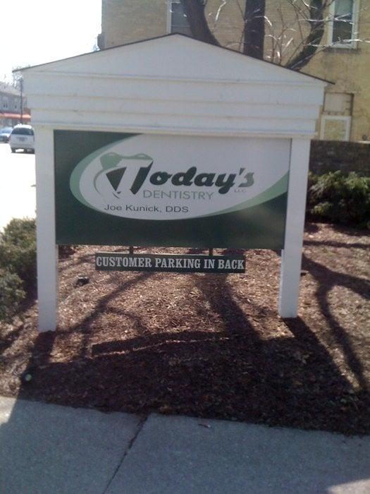Today's Dentistry: W68 N101 Evergreen Blvd, Cedarburg, WI