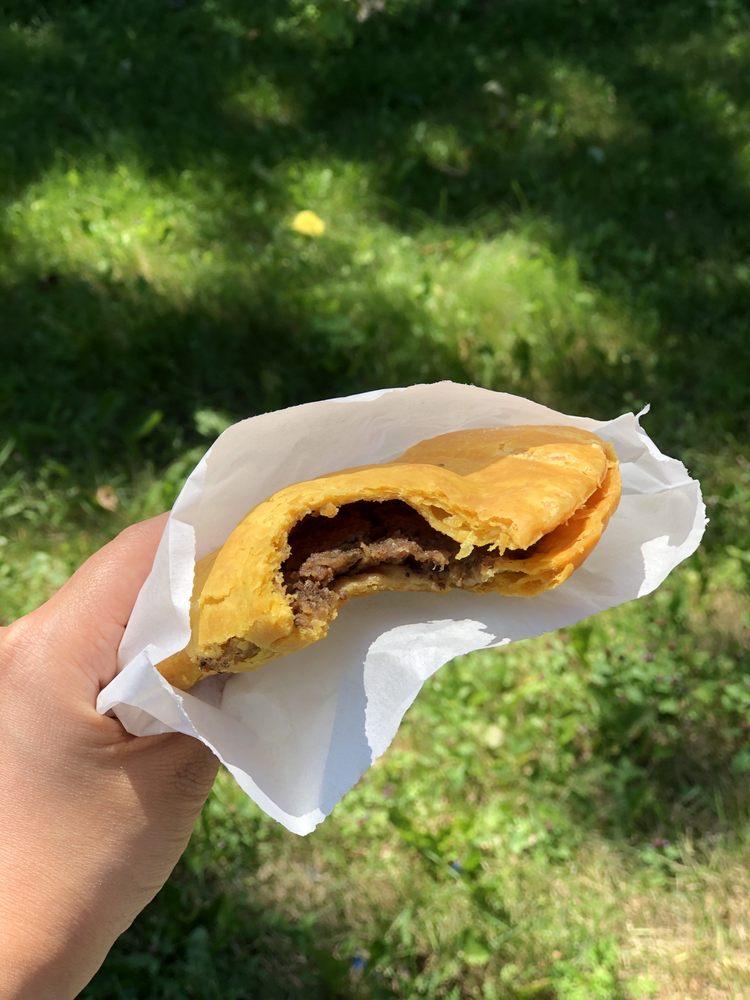 Mrs D Jerk-Roti & Pastry