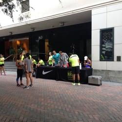 Niketown - CERRADO - 74 fotos y 158 reseñas - Zapaterías - 9560 ... 9662903fc5d