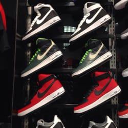 df01ed24674bcc Footlocker - Shoe Stores - 11500 Midlothian Tpke