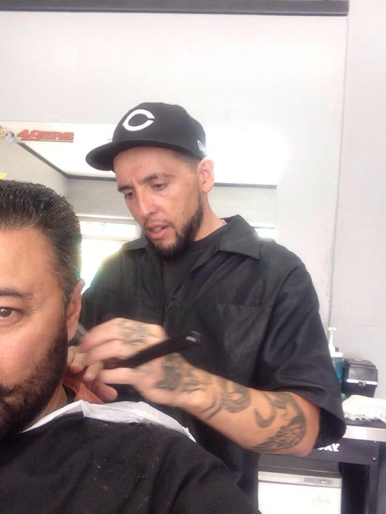 Dc Barbershop: 105 W Mt View St, Lone Pine, CA